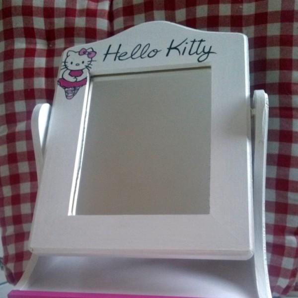 Toaletka HelloKitty