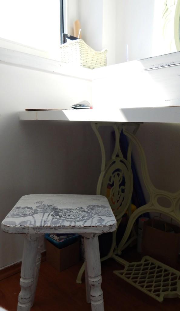 DSCN0478.stołek after