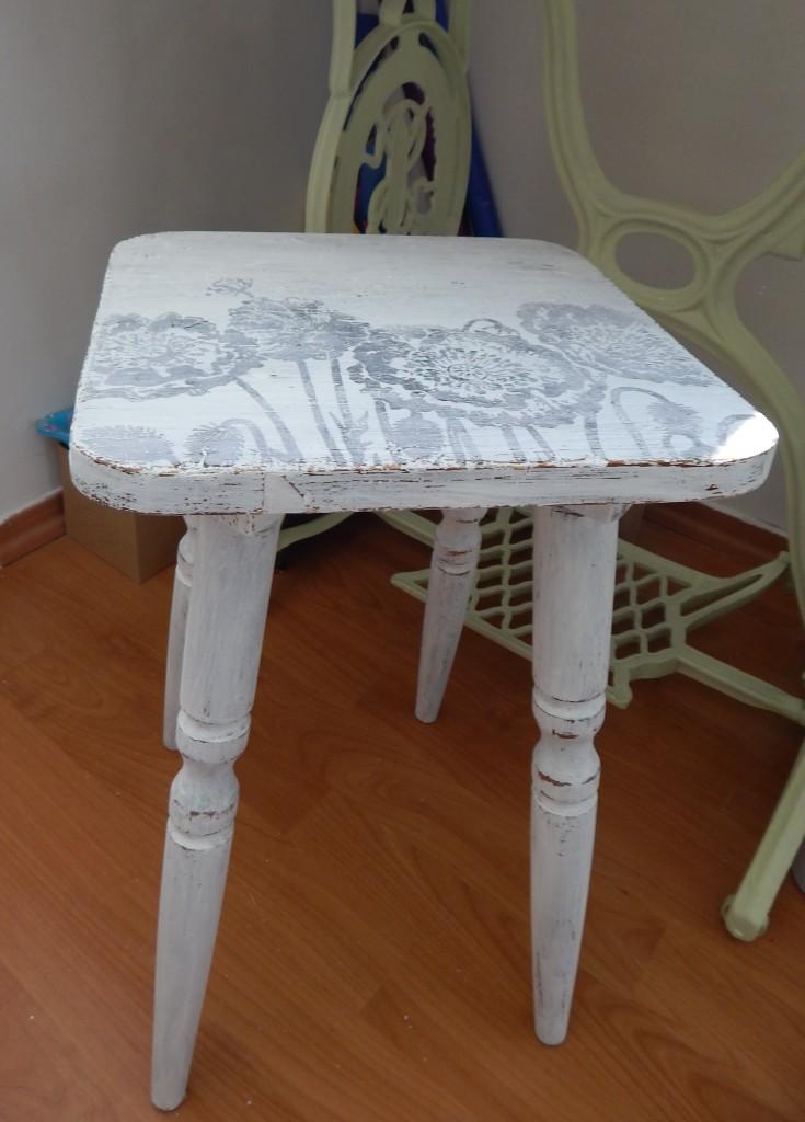 DSCN0479.stołek after