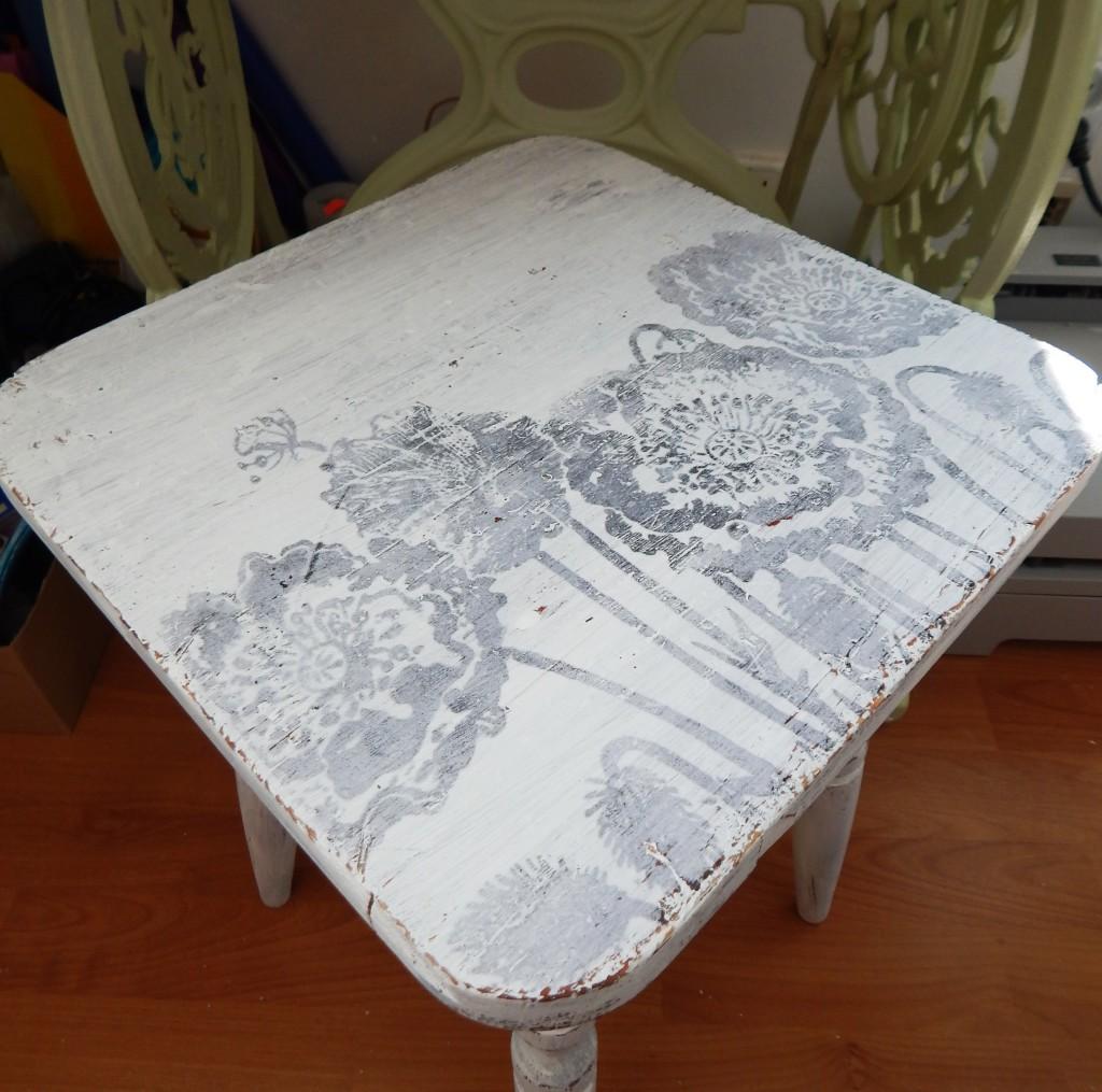 DSCN0480.stołek after