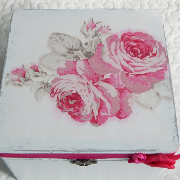 Zestaw różany w kolorze fuksji